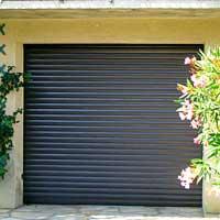 Bati diffusion volet roulant dans coffre tunnel porte for Volet de garage enroulable